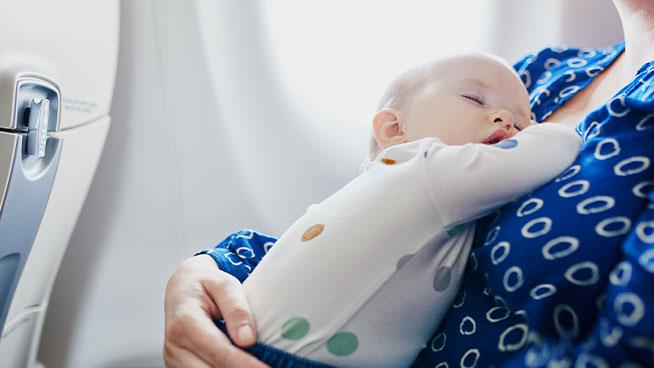 5 Tips for Traveling with Baby Formula